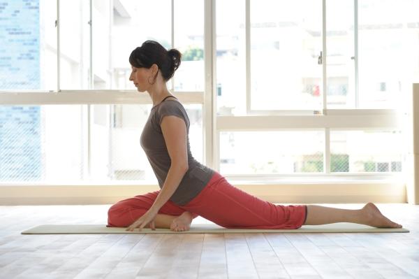 Bildresultat för swan pose yin yoga